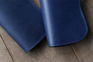 藍染レザーの二つ折り財布