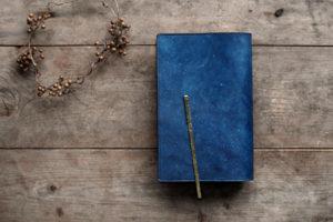 藍染革 ブックカバー(星雲)