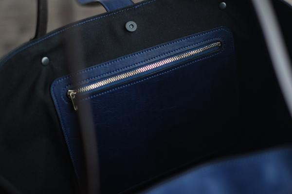 藍染レザートートバッグチャック付き内ポケット