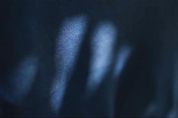enku藍染レザーの染色