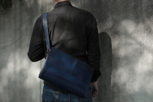 藍染レザーショルダーバッグ